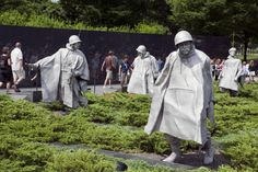 http://etc.usf.edu/clippix/pix/korean-war-memorial-statues-2_medium.jpg