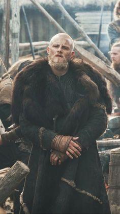 Rey Ragnar, King Ragnar, Viking Life, Viking Warrior, Vikings Costume Diy, Ivar Ragnarsson, Viking Wallpaper, Ragnar Lothbrok Vikings, Peaky Blinders Tommy Shelby