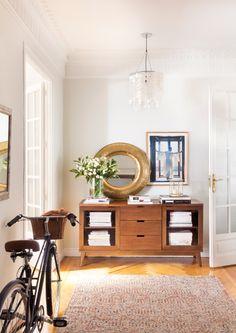Διακόμενα εμφάνισηρόμου: τα επιπλέον 50 του The Έπιπλα Style At Home, Entry Hallway, Entryway Tables, Zara Home, Lofts, Lovely Apartments, Sweet Home, Stone Flooring, Home Fashion