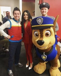 #PAWPatrolLive is in #NewYork and making new friends! @VanessaHudgens 😊