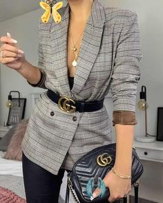 5 tips for being a more stylish woman  <br> Winter Outfits For Work, Winter Fashion Outfits, Work Fashion, Fall Outfits, Travel Outfits, Fashion Ideas, Blazer Fashion, Fashion Belts, Style Fashion