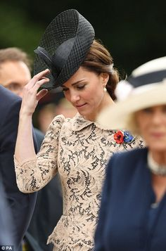 Kate Middleton's wears bespoke cream dress with William at the Battle of the Somme service | Daily Mail Online