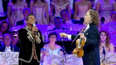 Holland's Greatest MUSIC Performer André Rieu with Jermaine Jackson performing… Jermaine Jackson, Michael Jackson Bailando, Michael Jackson Smile, Classical Opera, Classical Music, Charlie Chaplin Movies, Music Songs, Music Videos, André Rieu
