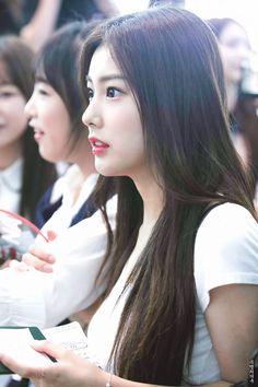 Beautiful Asian Girls, Beautiful Women, Japanese Drama, Japanese Girl Group, Korean Star, Soyeon, Female Singers, Sweet Girls, K Idols