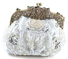 Silver Beaded Victorian Purse - Roses And Teacups