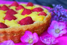 Kakkuviikarin vispailuja!: Vaniljainen mansikkapiirakka