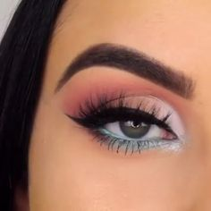 makeup videos POP OF BLUE makeupbyserenacleary Bringing the SLAY with this look which she completed using her in the style quot; Makeup Eye Looks, Eye Makeup Steps, Cute Makeup, Smokey Eye Makeup, Eyeshadow Makeup, Beauty Makeup, Grey Eyeshadow, Awesome Makeup, Makeup Style
