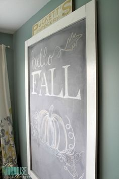 ***Chalk it up*** Hallo Herbst Tafel Kunst Balancing your decorating ideas Nowadays, the lack of tim Fall Chalkboard Art, Chalkboard Signs, Chalkboards, Chalkboard Ideas, Chalk It Up, Chalk Art, Fall Wood Signs, Fall Door Decorations, Fall Cards