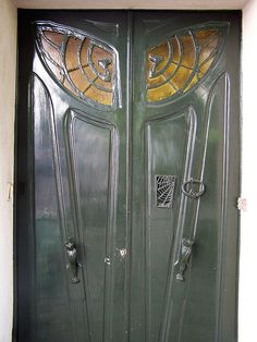 """""""Gothic"""" Art Nouveau Door - Monmatre, Paris. Love this door & the house it belongs to. If anyone has a picture with the house in it too PLEASE send it to me @bunniboila :)"""