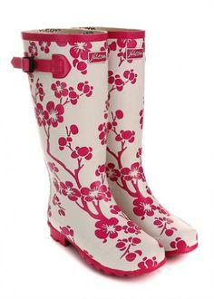 Adorable Pink & White Flower Wellington/Rain Boots.