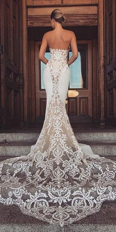 Mermaid Wedding Dresses top wedding dresses sexy mermaid lace low back enzoani - Today, we offer top wedding dresses for your inspiration. Discover an exciting selection of the most popular bridal gowns. Western Wedding Dresses, Top Wedding Dresses, Perfect Wedding Dress, Bridal Dresses, Wedding Gowns, Lace Wedding, Wedding Shoes, Wedding Venues, Maxi Dresses