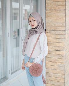 Fashion hijab dress posts 52 New Ideas Korean Fashion Work, Modern Hijab Fashion, Hijab Fashion Inspiration, Muslim Fashion, Casual Hijab Outfit, Hijab Chic, Hijab Dress, Ootd Hijab, Modele Hijab