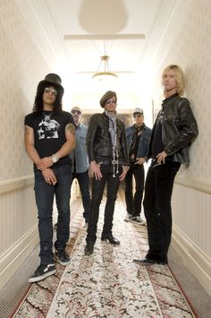Velvet Revolver on Scott Weiland's Death: 'His Artistry Will Live On' Read more: http://www.rollingstone.com/music/news/velvet-revolver-on-scott-weilands-death-his-artistry-will-live-on-20151204#ixzz3tQ9ewbDx Follow us: @rollingstone on Twitter | RollingStone on Facebook