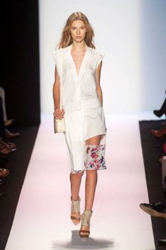 Floral, small bag. BCBG Max Azria Spring 2014 Ready-to-wear collection.