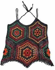Camiseta tejida a crochet en estambre acrílico en colores negro, anaranjado, rojo, ocre, verde y burdeos, talla M