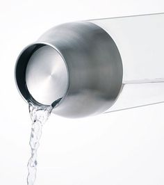 KINTO presents CAPSULE water carafe. This simple water carafe has a lid that opens automatically when the bottle is tipped, allowing you to pour from the rim in any direction. Metal Industrial, Industrial Interiors, Industrial Lighting, Industrial Design, Industrial Stairs, Industrial Windows, Industrial Bedroom, Industrial Shelving, Industrial Office