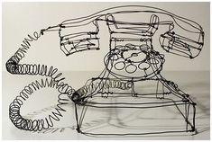 ドイツのアーティストMartin Senn氏によるワイヤーを使ったスケッチ風アート作品の紹介。