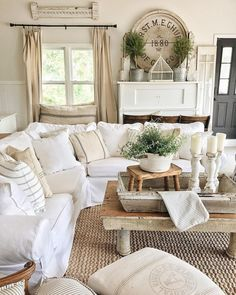Gorgeous French Country Living Room Decor Ideas (17)
