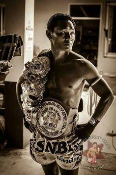 Muay Thai fighter! Muay Thai, Thai Boxing, Thailand, Tours, Entertainment, Sport. Details about Muay Thai in Koh Samui are available here; http://www.islandinfokohsamui.com