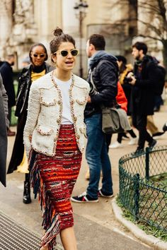 The Pink Pineapple: Street Style 3 Fashion Week, Fashion 2020, Look Fashion, Fashion Outfits, Womens Fashion, Fashion Trends, Paris Fashion, Leandra Medine, Street Style
