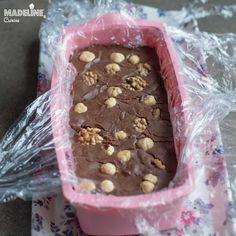 Ciocolata de casa fara zahar / Sugar free homemade chocolate - Madeline.ro Chocolate Protein Bars, Sweets Recipes, Desserts, Healthy Sweets, Homemade Chocolate, Stevia, Sugar Free, Food And Drink, Vegan