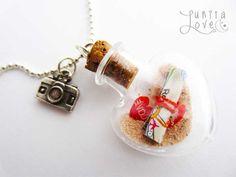 Botella miniatura con arena y un mapa! Miniature bottle with special message inside