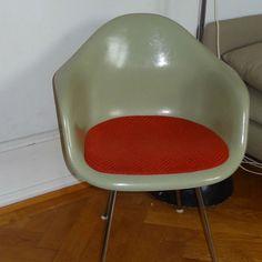 von freigeistdesign auf Etsy Eames, Etsy, The Originals, Chair, Furniture, Vintage, Home Decor, Free Spirit, Nice Designs