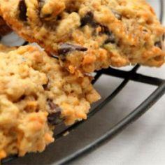 Cookies de cenoura, coco e chocolate