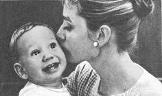 Audrey Hepburn with son Sean Today continues my journey into the world of mommy/baby sources. Old Hollywood Movies, Golden Age Of Hollywood, British Actresses, Actors & Actresses, I Miss My Mom, Audrey Hepburn Photos, Old Movie Stars, Celebrity Moms, Mother And Child