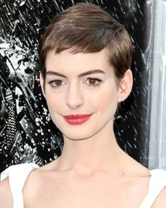 Anne Hathaway Pixie Haircut on Anne Hathaway Short Brown Pixie Cut Hairstyle