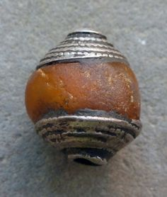 (B) Antique Tibetan genuine natural amber silver cap bead NR ~ from BALTHAZARA on eBay