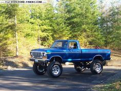 """The truck has 6"""" Skyjacker springs all the way around, 5.5"""" hangers and shackles in the front, and a Sky Manufacturing shackle flip in the back, with a 1"""" block. I used RS 9000 shocks on all four corners. The wheels are Pro Comp size 20x9.5 (I know they're too narrow), and the tires are 15/39.5-20 Super Swamper STS bias."""