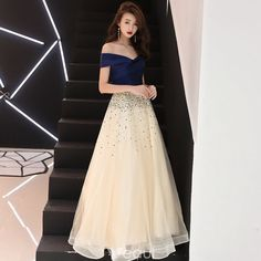 Elegant Champagne Prom Dresses 2018 A-Line / Princess Sequins Off-The-Shoulder Backless Short Sleeve Floor-Length / Long Formal Dresses Prom Dresses 2018, Formal Evening Dresses, Formal Gowns, Elegant Dresses, Beautiful Dresses, Long Dress Formal Elegant, A Line Dress Formal, Evening Outfits, Formal Wear