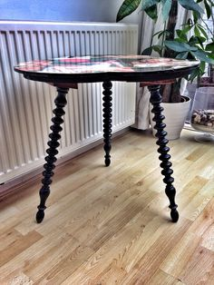 Finally finished my coca cola girls retro table with a beautiful glass glaze top. #cocacola #girls #retro #table #sidetable #vintagebrocante #photooftheday