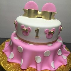 Glamorous Minnie Mouse Cake Gold, pink and white #minniemouse #cake #cakes…