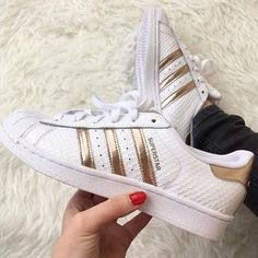 on sale 4fc87 fc738 Adidas Superstar 80s Metal Toe W OFF WHITE ROSE GOLD Trainers Shoes  Shoes   Pinterest  Adidas superstar 80s metal, Adidas superstar and Rose adidas