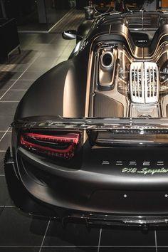LUXURY Connoisseur    Kallistos Stelios Karalis    +Folloω me....Porsche 918 Spyder.......