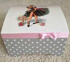 Caja pinup rosa y gris