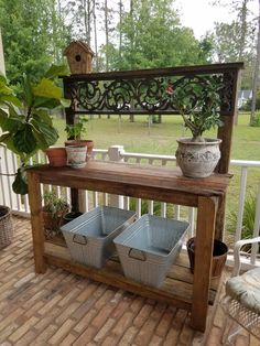 60 Awesome DIY Pallet Garden Bench and Storage Design Ideas - Garden Decor Outdoor Potting Bench, Potting Bench Plans, Pallet Garden Benches, Potting Tables, Potting Sheds, Pallet Gardening, Potting Bench With Sink, Outdoor Storage, Outdoor Rooms