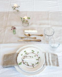 6 Ways To Style Pretty Place Settings For An Early Fall Dinner Party | TheNest.com