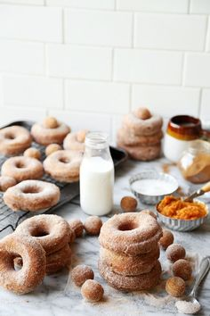 10 Most Misleading Foods That We Imagined Were Being Nutritious! Pumpkin Cinnamon Sugar Doughnuts Are The Perfect Fall Treat. An Easy To Make Dough Loaded With Pumpkin, Fried And Rolled In Cinnamon Sugar Pumpkin Recipes, Fall Recipes, Donut Recipes, Cooking Recipes, Breakfast Recipes, Dessert Recipes, Fall Treats, Beignets, Pumpkin Spice