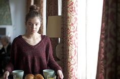 Three Days To Kill - 20 maart in de bioscoop 3 Days To Kill, Slouchy Sweater, Perfect Eyes, Hailee Steinfeld, Her Smile, Top Knot, Women, Three Days, Image