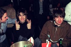 I don't believe in the world outside my room Liam Gallagher Noel Gallagher, Alan White, Liam And Noel, Oasis Band, Britpop, Just Believe, Cool Bands, Brother, The Outsiders