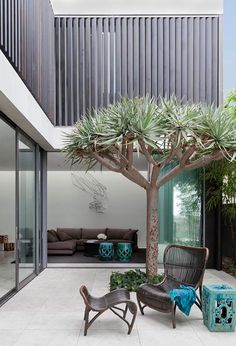 Let's just turn the you unused patio space into a beautiful space that can relax our soul and mind. Find the best DIY Patio Ideas here! Patio Interior, Interior And Exterior, Interior Design, Design Interiors, Outdoor Spaces, Outdoor Living, Outdoor Decor, Outdoor Fun, Patio Diy