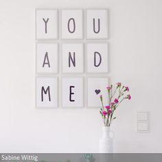 Diese Liebeserklärung ist schnell gemacht: Einfach am PC - oder von Hand - neun DIN A5-Bögen mit den Buchstaben YOU AND ME und einem Herzchen beschriften.…