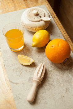 Sugar bowl with citrus squeezer / Cukierniczka rzeźbiona z wyciskarką do cytrusów