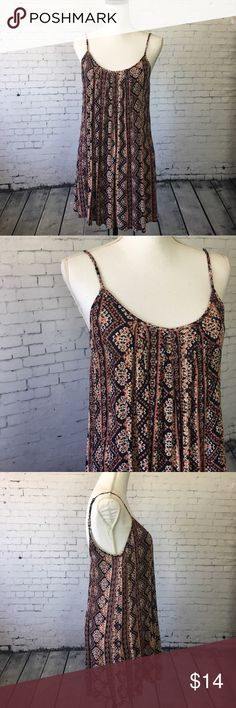 Forever 21 Flowy Mini Dress Mini dress from Forever 21 with pretty print. Adjustable spaghetti straps. Rayon. Size S. Also works great as a bathing suit cover up. Excellent condition. Forever 21 Dresses Mini