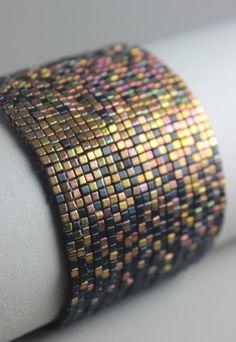 Manchette Tissée en perles de Miyuki Cube : Bracelet par zazaboo