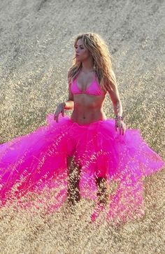 Shakira - i am definitely going to start belly dancing