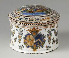 Sèvres porcelain powder box c1750-60.  Apollo and the muses depicted on the top.  Fouque and Pelloquin ( 1749-1783 ).  Photo credit (C) RMN ( Sèvres , Cité ceramics ) / Martine Beck- Coppola.  Dia. 5.3in.
